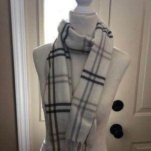 Cream, brown, grey acrylic Cejon scarf
